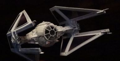 TIE Interceptor Pappersmodell
