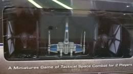 First Order TIEs och Resistance Fighter